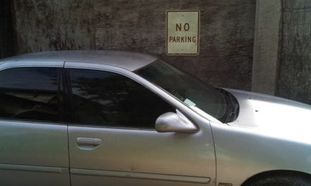 Construction Worker Gets Perfect Revenge From Rude Woman Who Parked In A No Parking Zone