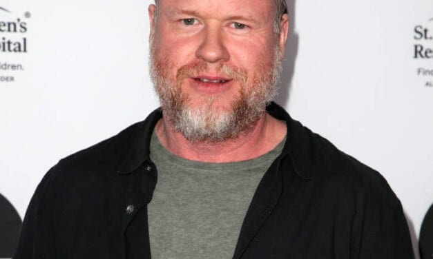 """Beam Fisher Called Out Joss Whedon On Twitter To be Gross And Unprofessional For the Set Of """"Justice League"""""""