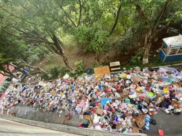 College student Backlash Over Lockdowns Propagates to Guangzhou as Garbage Piles Up, Food Costs Soar