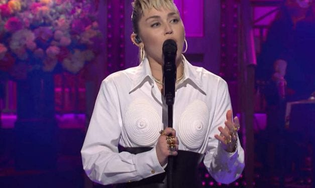 """Elon Musk Tried This But Miley Cyrus' Mother's Day Boobies Shirt Stole The particular Show At """"Saturday Night Live"""""""